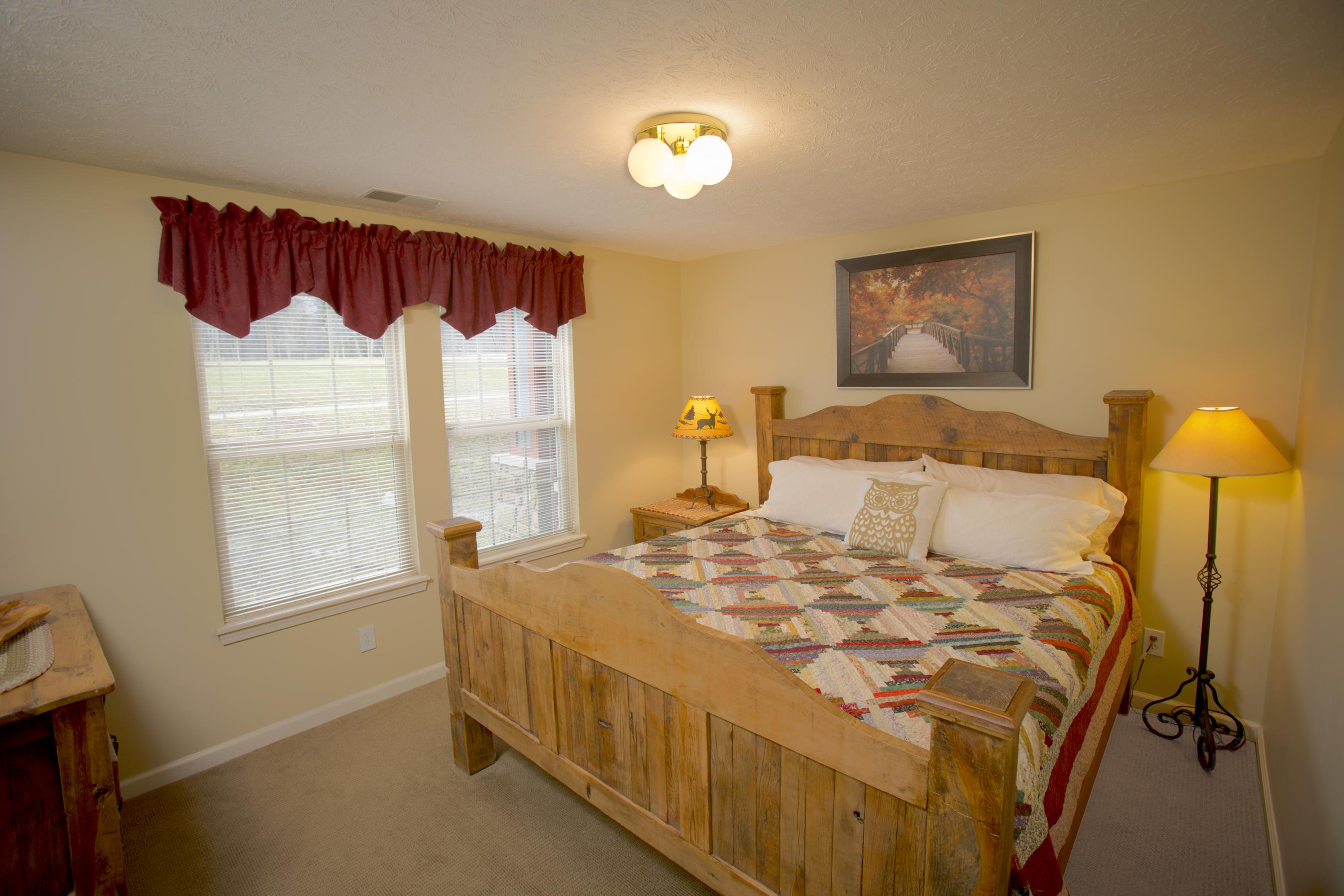 ... Click To Enlarge Image Salt Creek Lodge Bedroom 1 ...